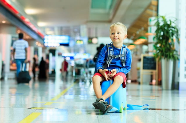 """<span style=""""font-family: arial, helvetica, sans-serif; font-size: 16px;""""><em>Quy định trẻ em đi máy bay một mình khi mua vé máy bay United Airlines đi Minneapolis</em></span>"""